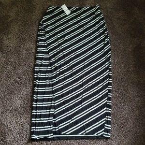 NEW White House Black Market Maxi Skirt M